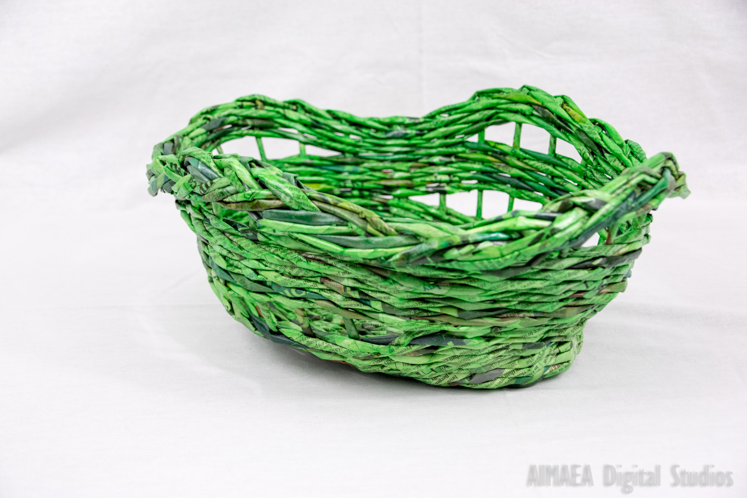 EDIGUMI Green handmade straw bread holder