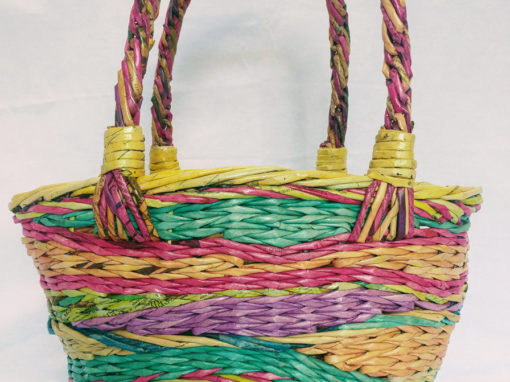Summery beach basket for woman